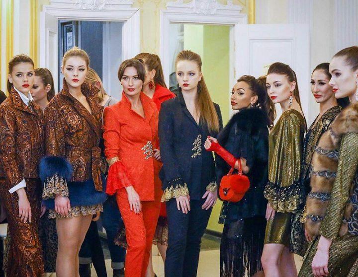 Тузани Николь, модный критик на показе NK Fashion