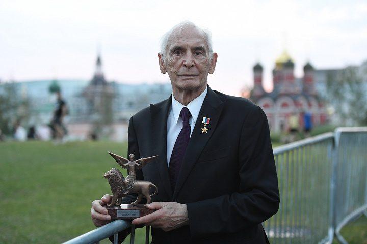 Василий Лановой премия