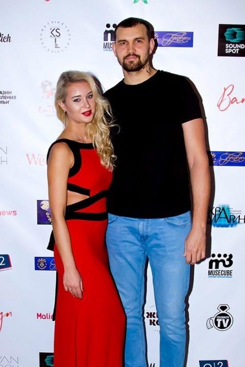Баскетболист Алексей Жуканенко с женой Екатериной