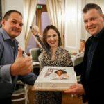 Екатерина Калёнова и торт