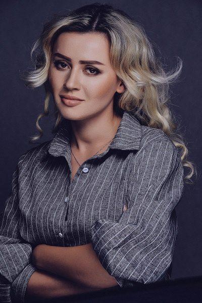 Сара Окс