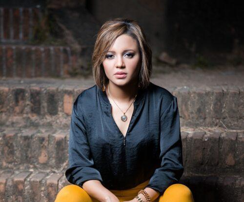 """Доминиканская певица Joly продолжает нести послание надежды перед лицом пандемии с """"Все будет хорошо»"""""""
